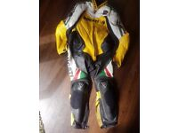 Dainese Ducati full race leathers : Motorcycle