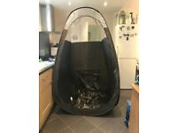 Pop up spray tanning tents