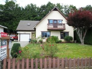 3 Bed/ 1 Den/ 1 Rec Room and 2 Baths.....NEW LISTING 2670sf