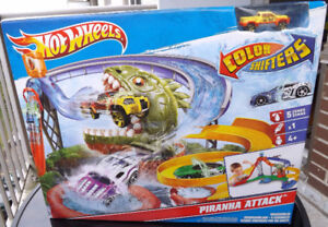 HOT WHEELS PIRANHA ATTACK COLOR SHIFTERS BOX SET NEW