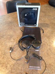 AKG C50 Bluetooth Headphones - NEW