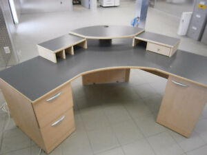GREAT DESK AT A GREAT PRICE