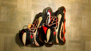 ROLLER BLADES PERFECT FOR SUMMER. GOOD CONDITION