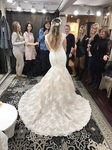 Robe de mariée tout en dentelle