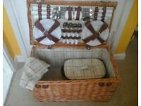 Large new picnic hamper x6