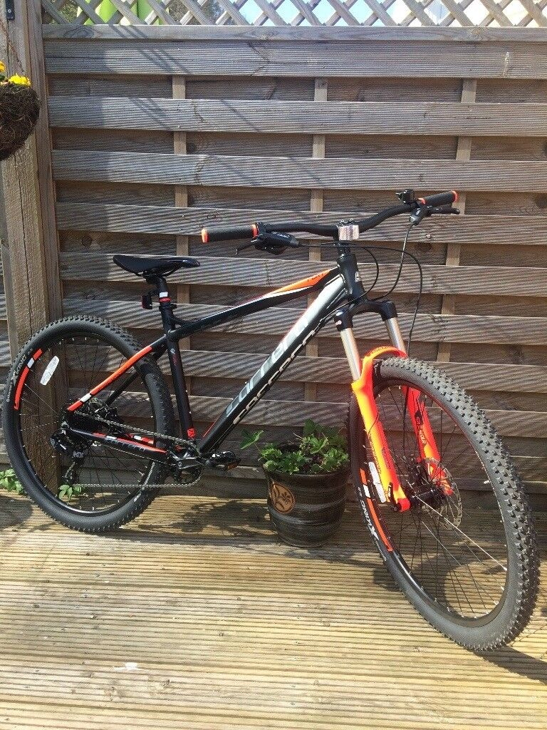 Carrera Fury Mountain Bike 18 Inch Trail Bikein Reading, BerkshireGumtree - Carrera Fury Mountain Bike (18) Never used £380 complete with KryptEvoMini Lock, purchased 05.04.17 receipt and instructions. Frame Light, durable and strong 7005 aluminium tubing Forks Suntour Raidon XC fork has 120mm travel and lockout for choice...