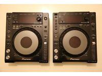 2x Pioneer CDJ 850K (Mint Condition)