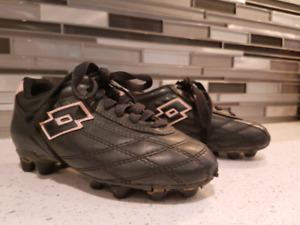 Lotto/Girls/Youth/soccer shoes/Cleats/sports/athletic shoes