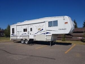 31 ft COLORADO USED RV FOR SALE - LIKE NEW!