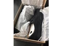 Clarks Men's Black Leather shoes , Size 8 G, Brand New