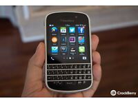 BlackBerry Q10 (Black with Silver bezel)