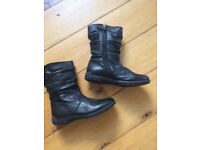 Black boots (Max and May) size 33 (size 1 UK) never worn