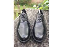 Samuel Windsor handmade black leather shoes Size 9