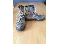 Selling 3 pairs of Dr Martens, all size 6, PERFECT CONDITION! 2 pairs are limited editions!
