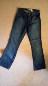 Ladies Old Navy Blue Jeans Size 6