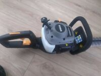 Titan 26cc 2 stroke hedge trimmer as new