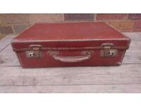 VINTAGE SMALL EVACUEE PADDINGTON BEAR STYLE SUITCASE ALL ORIG WEDDING PROP HOME SHOP DISPLAY USE