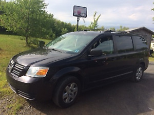 2010 Dodge Caravan Dark Brown Minivan, Van