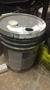 4 gallons of white primer