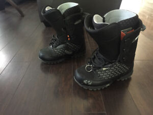 Snowboard boots great condition