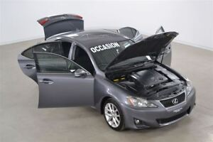 2012 Lexus IS 250 RWD Manuelle 6 Vitesses Impeccable !!!