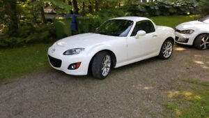 2011 Mazda MX-5 Miata Power Hard Top