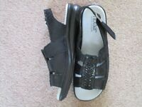 Hotter size 4 black, patent snakeskin effect leather sandals. Light and comfortable. As new.