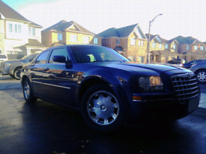 Chrysler 300 Very good condition ( FULLY LOADED)