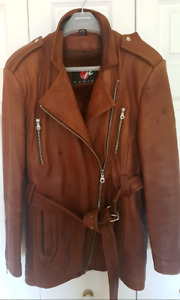 VINTAGE LEATHER  JACKET. Women. Made in Korea. Size  L