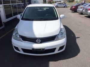 2010 Nissan Versa 1.8L/ MINT CONDITION/ CAR-PROOF ATTACHED