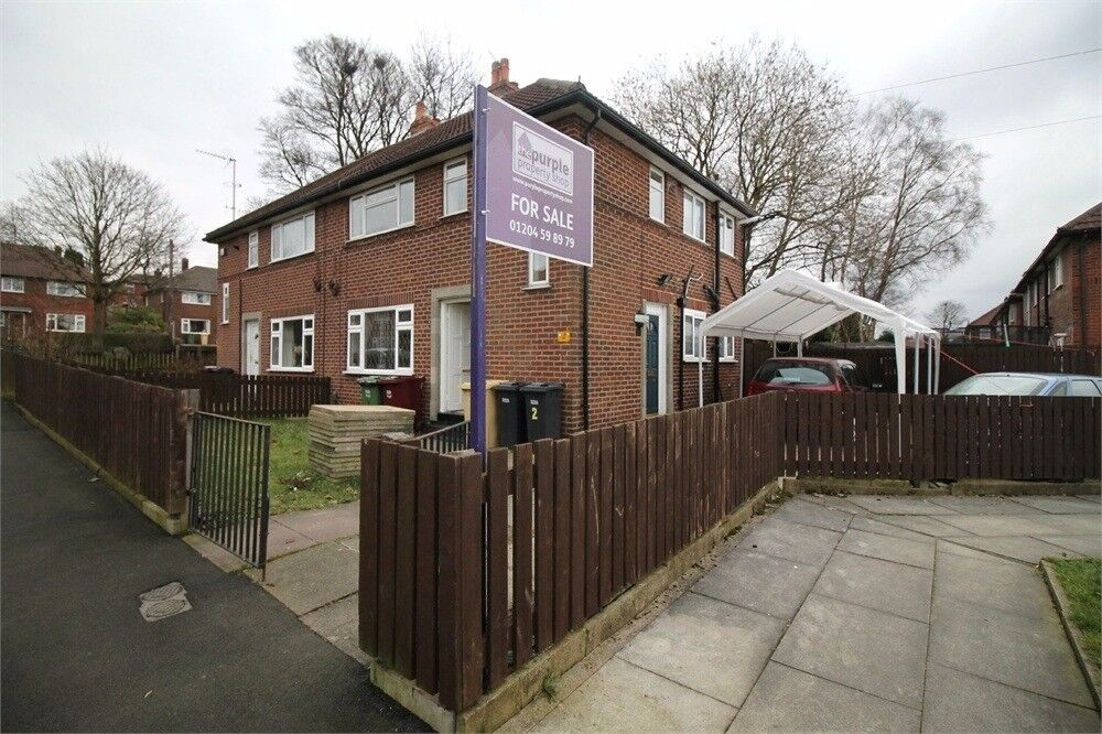 2 bed room flat newly refurbished nice and discrete location bolton