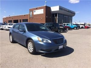 2011 Chrysler 200 LX Only 78, 000 KMS !!!