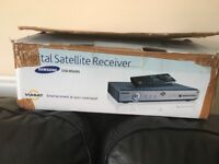 Samsung DSB-B560N Digital Satellite receiver.Satellite dish with bracket hmount included.