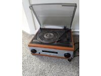 Derens record player with radio