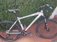 Trek series 3 6000 slr mountain bike /suspension and brake discs