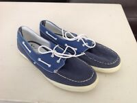 Men's deck shoes