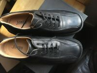 Brand new never worn men's jones shoes
