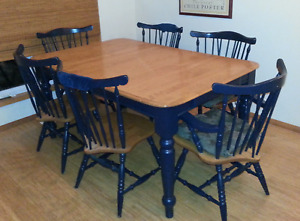 Family Dining Table & 6 Chairs