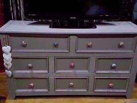 EXTRA LARGE SOLID WOOD SIDEBOARD LARGE SPACIOUS CHEST OF DRAWERS