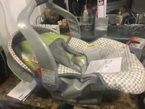 Brand new Graco classic infant car seat