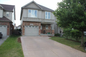 [For Lease] Excellent Eastbridge House Available August 15th!