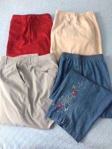 Ladies Capris - Size 16
