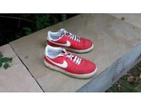 NIKE AIR FORCE 1. SIZE 8. VERY GOOD CONDITION