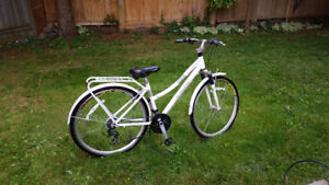 Schwinn Discover Women's Hybrid Bike (700C Wheels),White,28