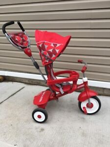 Radio flyer  tricycle with steering wheel