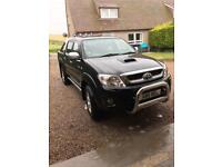 NO VAT. Toyota Hilux 3.0 D- invincible