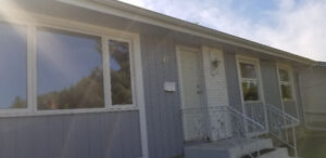 Sherwood Park bungalow for rent Sept 1 . Small pets ok.