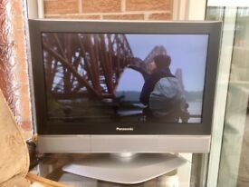 Panasonic TV TX-26LXD52 with Remote