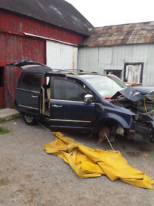 2008 Chrysler Town&country limited parting out