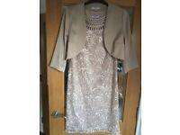 dress / jacket (2 piece) / bag / hatinator